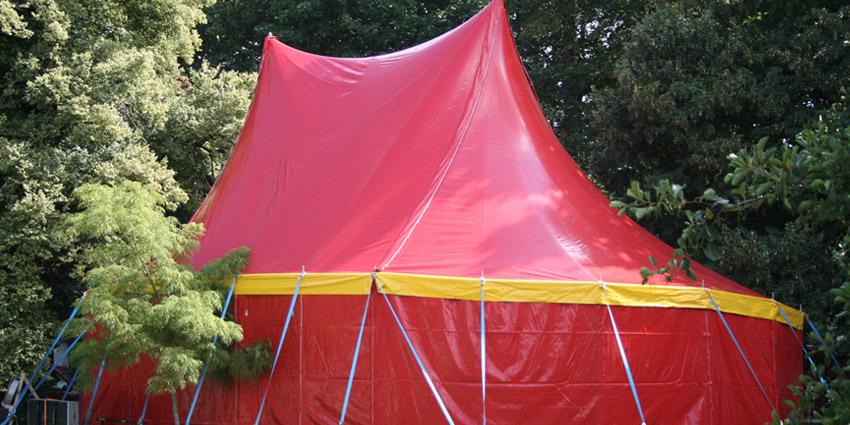 circus op school circustent
